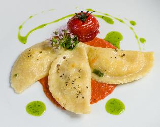Tortelli di branzino in salsa di peperoni i consigli di for Cucinare branzino 5 kg